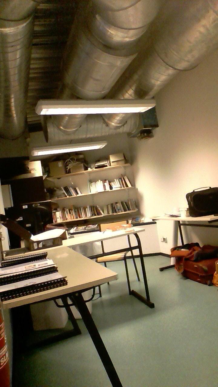 un nouveau bureau pour le cortex montpellier collectif de recherche transdisciplinaire. Black Bedroom Furniture Sets. Home Design Ideas